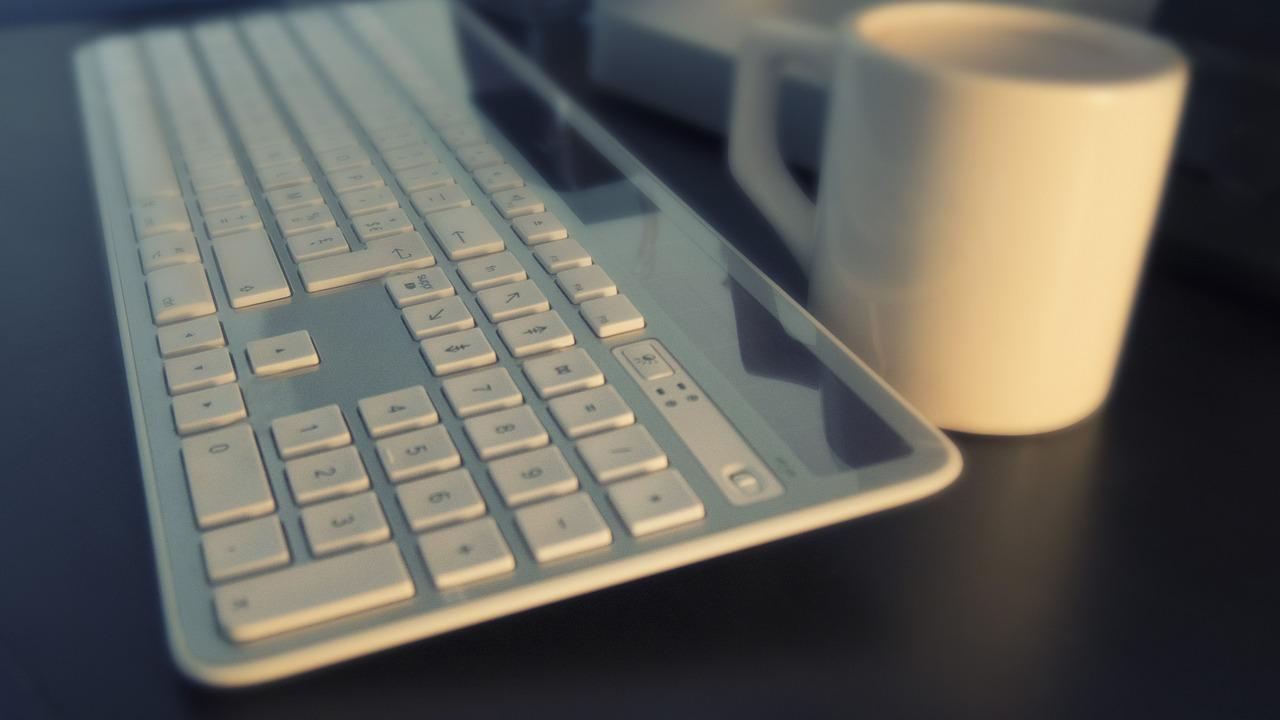 Bien nettoyer un clavier d'ordinateur portable
